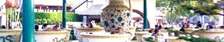 Tea Cups: Gigantescas tazas de té que giran sin parar.