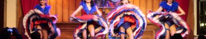 Can Can West: Visita el Long Branch Saloon de Penitence en PortAventura Park, donde 2 divertidos vaqueros viven sus aventuras con las canciones en directo de la Madame del Saloon y sus bailarinas del Can Can.