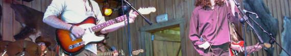 Country Music: Tipos duros y música country de la mejor en directo, en la Barbacoa de Far West.