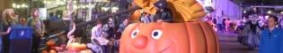 Halloween Parade: Un divertido desfile con todos los personajes de Halloween en el paseo de la Mediterrània, bailando al ritmo de la música del Halloween de PortAventura World.