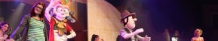 Las Aventuras de Tadeo Jones: Descubre las aventuras del arqueólogo Tadeo Jones y sus amigos para recuperar el Collar mágico del Rey Midas en este espectáculo musical de PortAventura World en La Cantina.