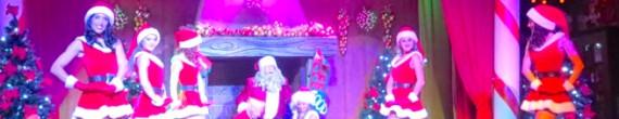Magic Christmas: Una historia sobre la lucha por hacer triunfar el espíritu de la Navidad en el Saloon del Far West de PortAventura, con bailes, canciones en directo y humor.