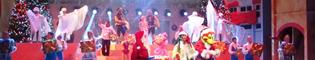 Regalo de Navidad: Espectáculo musical con bailes y acrobacias con artistas internacionales, que recrea la frenética actividad de la fábrica de juguetes de Papa Noël durante la Navidad, en el Gran Teatre Imperial de PortAventura.
