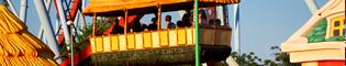 Loco-Loco Tiki: Esta casita voladora hará las delicias de todos los niños que visiten Sésamo Aventura. Te encantará subir y bajar en el Loco-Loco Tiki de PortAventura.