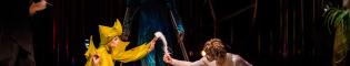 Varekai: Del 6 de julio al 13 de agosto del 2017 explora el mundo de Varekai de Cirque du Soleil en PortAventura World. Un espectáculo circense de acrobacia, música en directo y divertidos números de clown; que te traslada a un bosque encantado lleno criaturas extraordinarias.