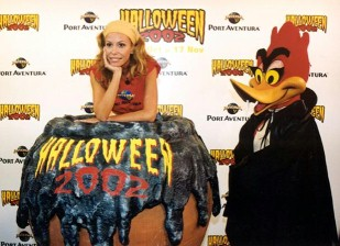 Lara Dibildos presenta el Halloween 2002