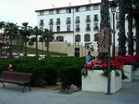 PortAventura compra dos hoteles y el Convention Centre