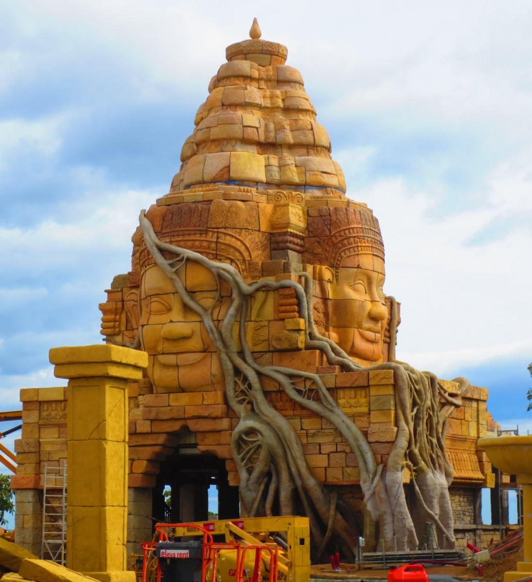 Visitamos las obras de construcción de Angkor