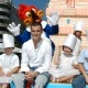 Fonsi Nieto apadrina un pastel gigante de Hurakan Condor