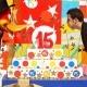 Cesc Fàbregas celebra el 15 aniversario de PortAventura