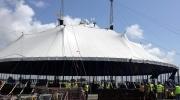 La gran carpa de circo del Cirque du Soleil se ha levantado hoy en PortAventura para presentar Kooza